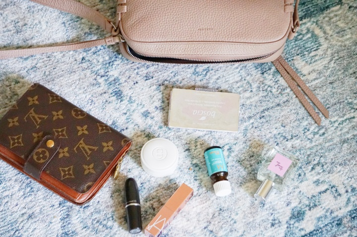 WHATS IN MY BAG:SUMMER